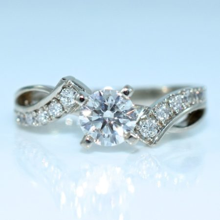 winnipeg engagement rings diamonds omori