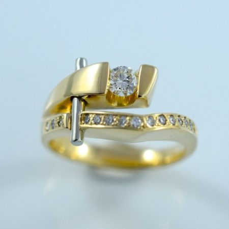 Custom Omori Ring Design with round diamond.