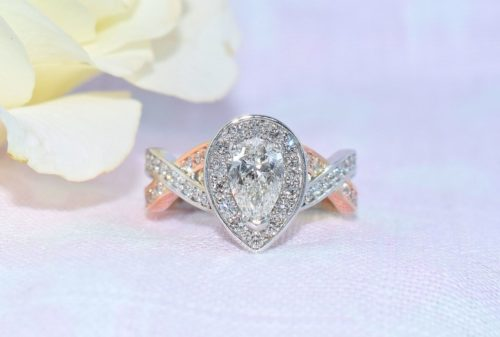pear shaped diamond engagement rings rose gold