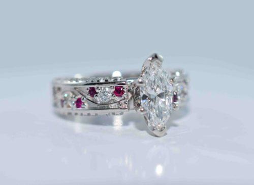 unique cusotm engagement rings winnipeg