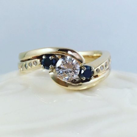interlocking wedding ring in yellow gold