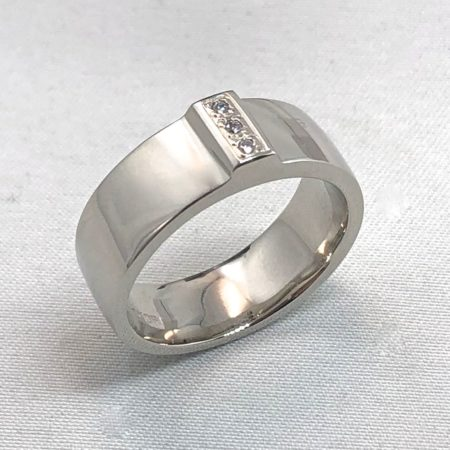 mens wedding ring with diamonds