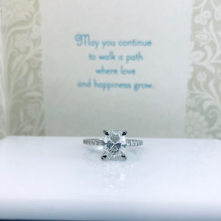 custom oval diamond engagement rings