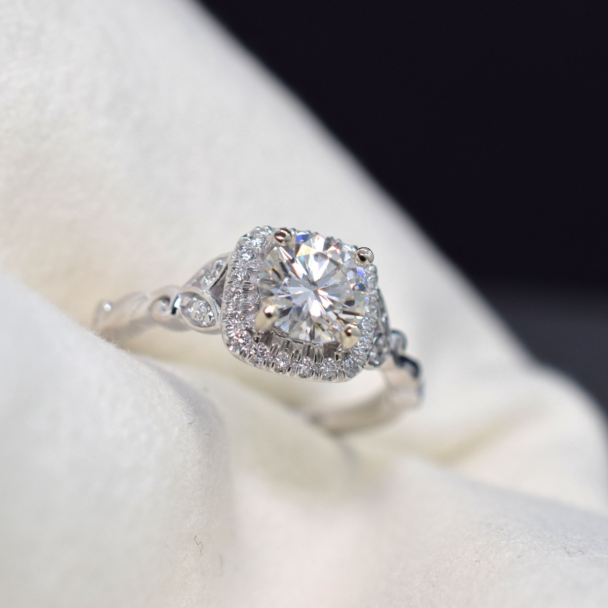 5 Unique Diamond Rings Omori Diamonds