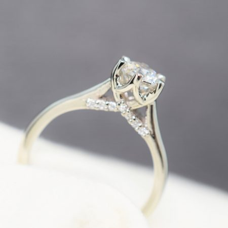 6 prong solitaire engagement ring winnipeg